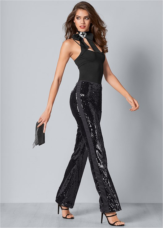 SEQUIN PANTS,SEAMLESS CAMI,HIGH HEEL STRAPPY SANDALS,METAL FRINGE CROSSBODY