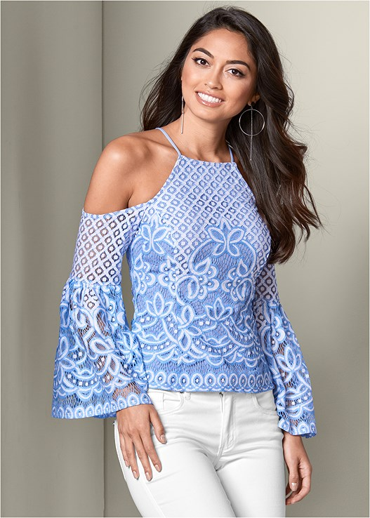 LACE BELL SLEEVE TOP,COLOR SKINNY JEANS,ASYMMETRICAL STRAPPY HEELS,HOOP DETAIL EARRINGS