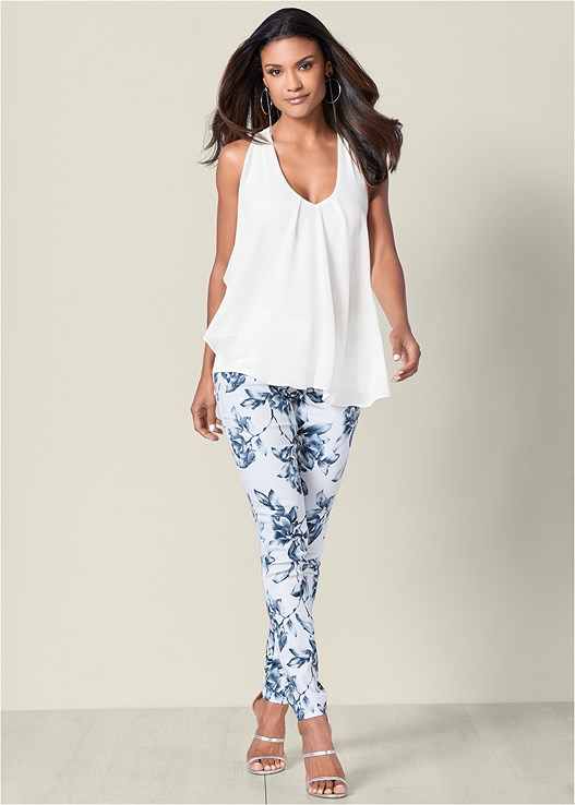 FLORAL PRINT PANTS,RUFFLE FRONT TANK,HIGH HEEL STRAPPY SANDALS,HOOP DETAIL EARRINGS