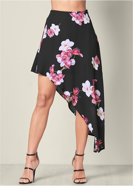PRINTED SKIRT,SEAMLESS CAMI,HIGH HEEL STRAPPY SANDAL