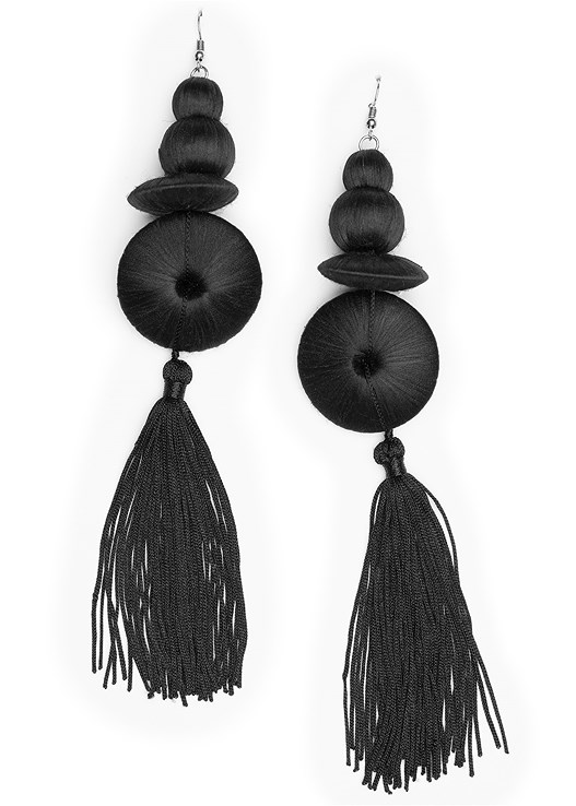 LONG TASSEL EARRINGS,FAUX LEATHER LEGGINGS,PERFORATED LACE UP HEEL