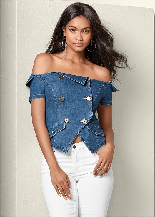 OFF THE SHOULDER DENIM TOP,DEEP CUFF JEANS,HOOP DETAIL EARRINGS,METALLIC STRAP HEELS