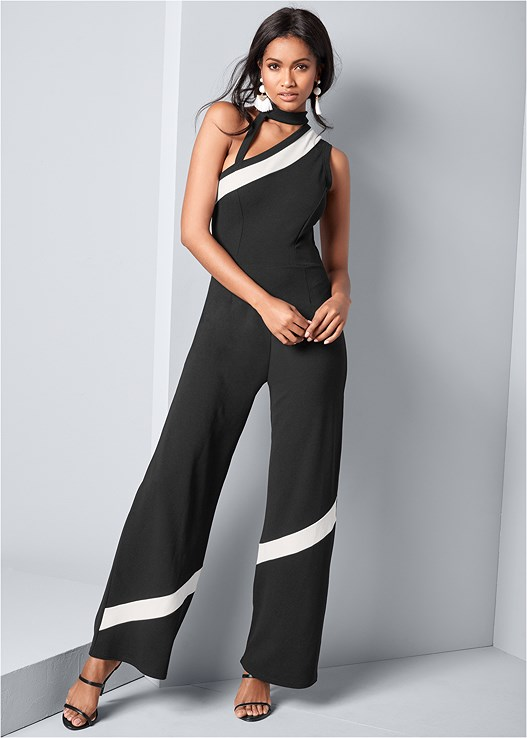 CUT OUT DETAIL JUMPSUIT,HIGH HEEL STRAPPY SANDALS,FRINGE DROP EARRINGS