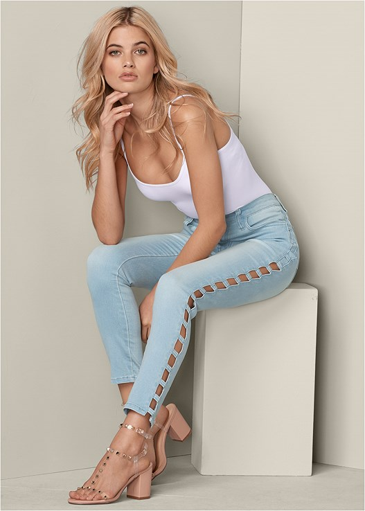 CUT OUT DETAIL JEANS,SEAMLESS CAMI