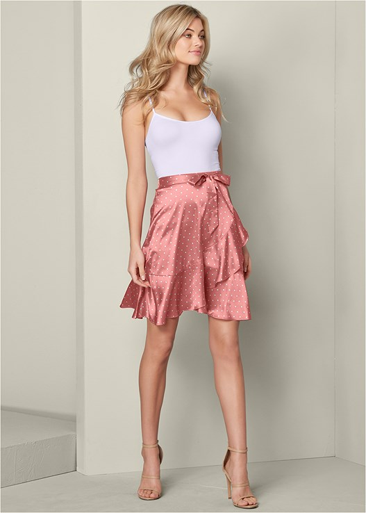 RUFFLE DETAIL SKIRT,SEAMLESS CAMI,LACE UP DEEP V BODYSUIT,HIGH HEEL STRAPPY SANDALS