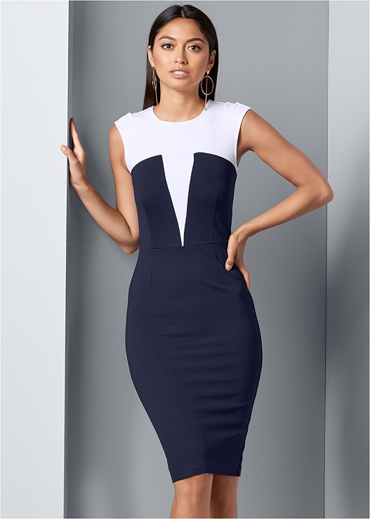 COLOR BLOCK BODYCON DRESS,HIGH HEEL STRAPPY SANDALS,HOOP DETAIL EARRINGS