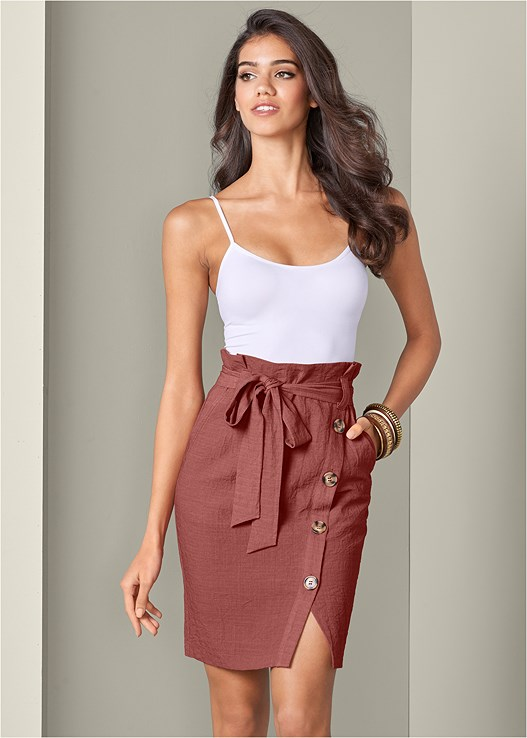 KNEE LENGTH LINEN SKIRT,SEAMLESS CAMI,BRAIDED DETAIL WEDGES
