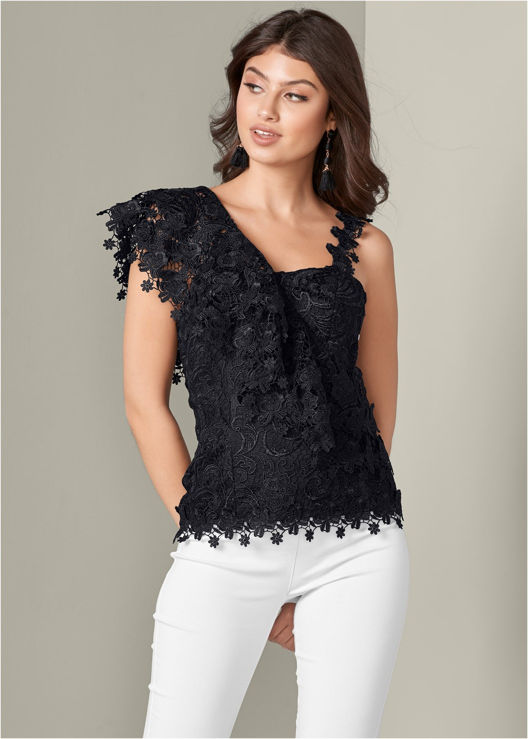 Ruffle Detail Lace Top,Mid Rise Slimming Stretch Jeggings,Bauble Fringe Earrings