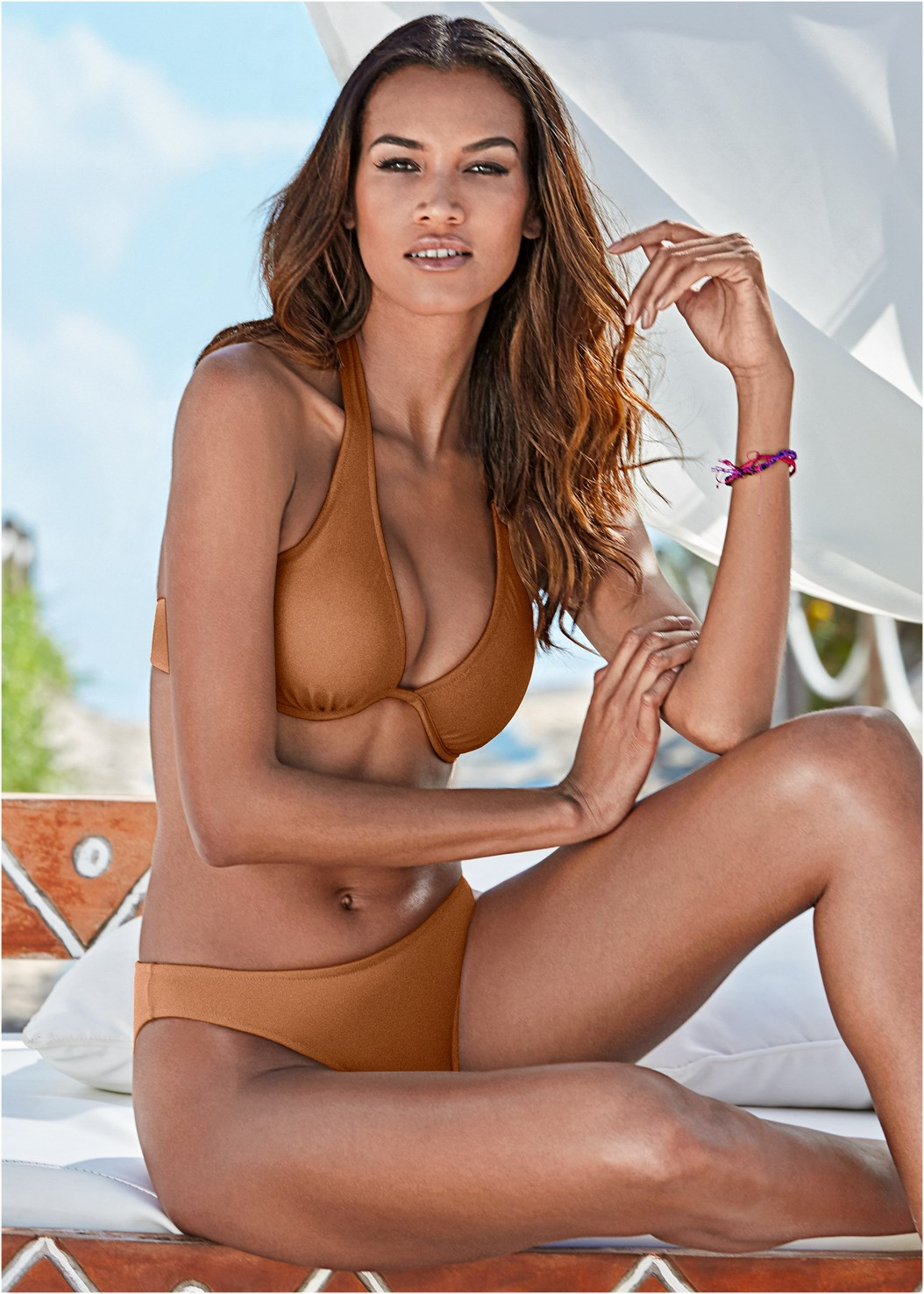 Underwire Halter Bikini Top,Scoop Front Classic Bikini Bottom