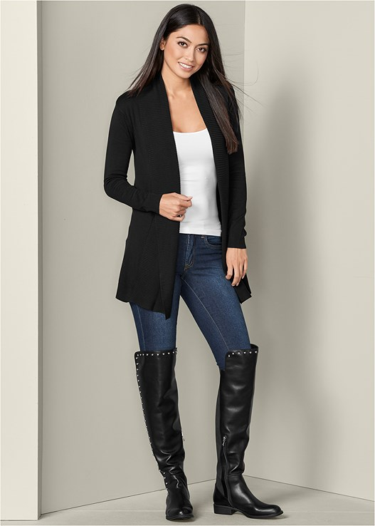 SEAMLESS CAMI,COLOR SKINNY JEANS,STUD DETAIL BOOT