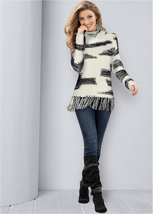CONTRASTED FRINGE SWEATER,COLOR SKINNY JEANS,SLOUCHY LAYERED STRAP BOOTS