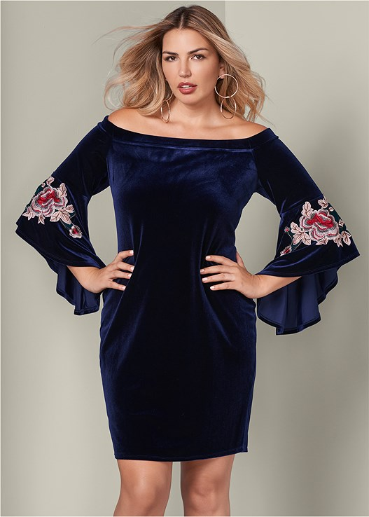 f6c399c0ae2 Plus Size EMBROIDERED VELVET DRESS