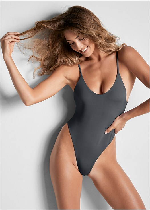 VERSATILITY BY VENUS ™ REVERSIBLE TANK ONE-PIECE