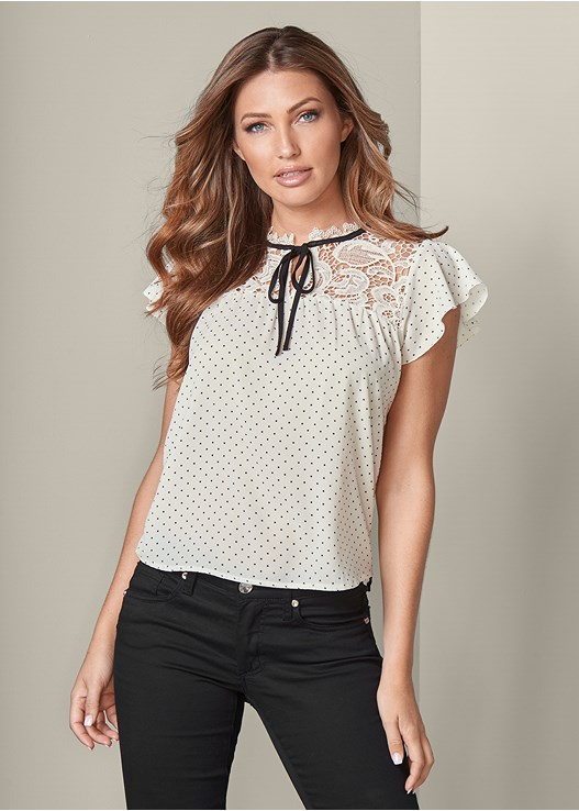 POLKA DOT TOP WITH LACE,COLOR SKINNY JEANS,TRANSPARENT STUDDED HEELS