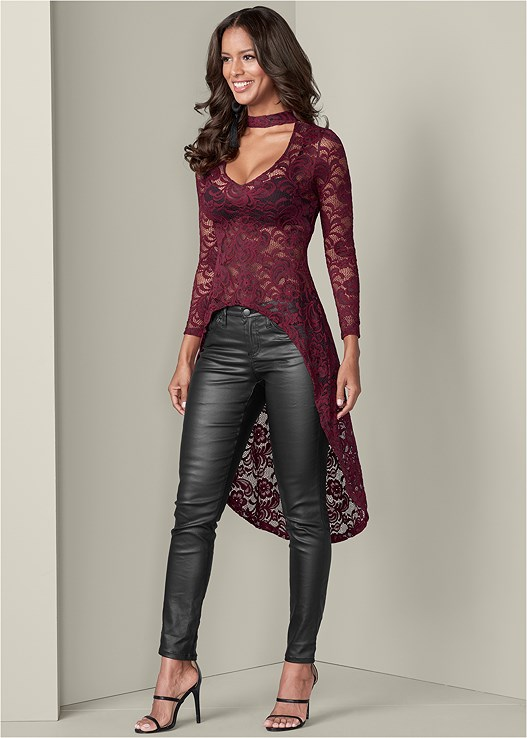 EXAGGERATED HEM LACE TOP,SMOOTH PLUNGE T-SHIRT BRA,FAUX LEATHER PANTS,HIGH HEEL STRAPPY SANDALS