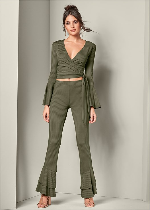 RIBBED FLARE PANT,HIGH HEEL STRAPPY SANDALS,HOOP DETAIL EARRINGS