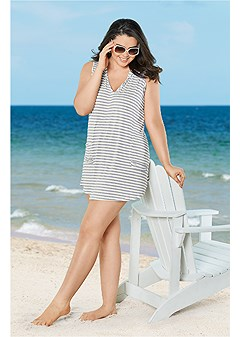 plus size hooded pocket cover-up