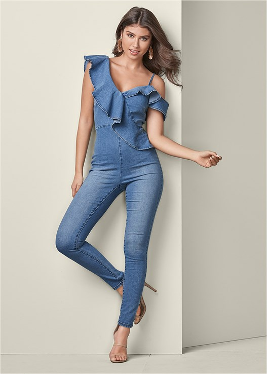 RUFFLE DENIM JUMPSUIT,HIGH HEEL STRAPPY SANDALS,MIXED EARRING SET