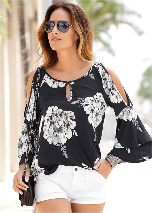 FLORAL TIERED SLEEVE TOP,CUT OFF JEAN SHORTS,EMBELLISHED THONG SANDALS,DOUBLE BUCKLE BELT