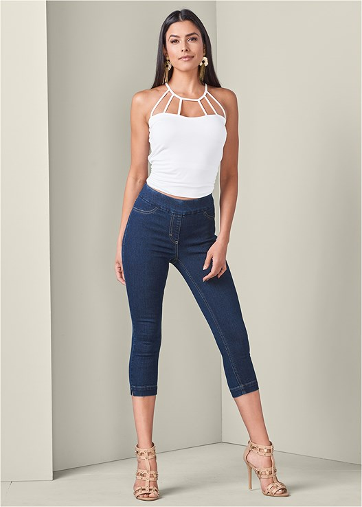 SLIMMING STRETCH CAPRI,STRAPPY DETAIL TOP,STUDDED WEDGES