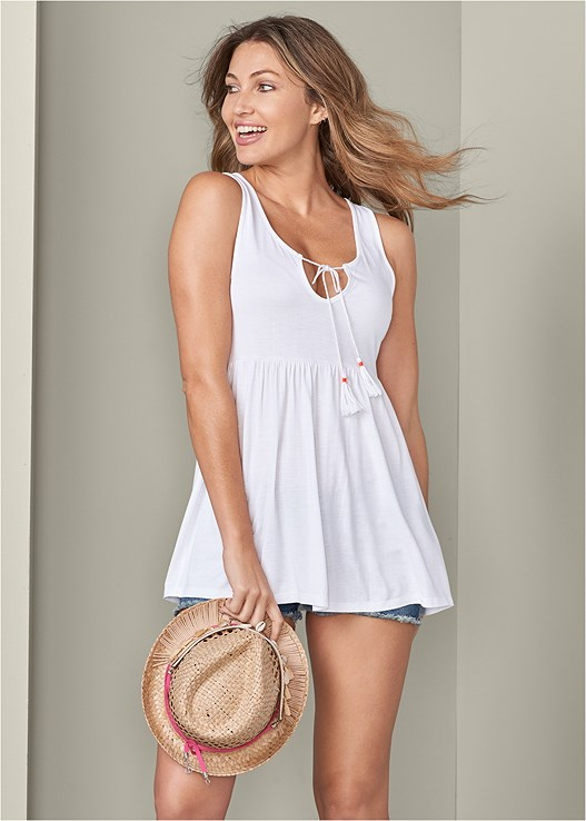 CASUAL BABYDOLL TOP,CUT OFF JEAN SHORTS,TASSEL TRIM HAT