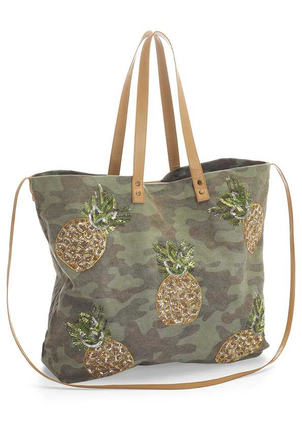 Camo Tote Bag,Ruched Detail Top,Frayed Cut Off Jean Shorts
