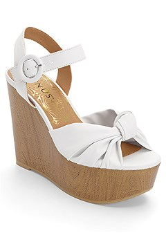 knot front wedges
