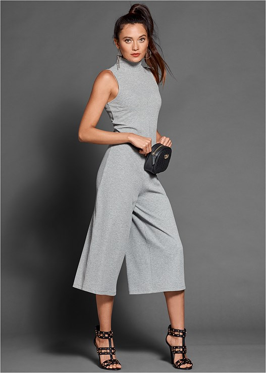 RIBBED CULOTTE JUMPSUIT,STUDDED HEELS,QUILTED BELT BAG