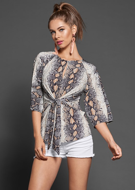 TIE FRONT PYTHON PRINT TOP,CUT OFF JEAN SHORTS