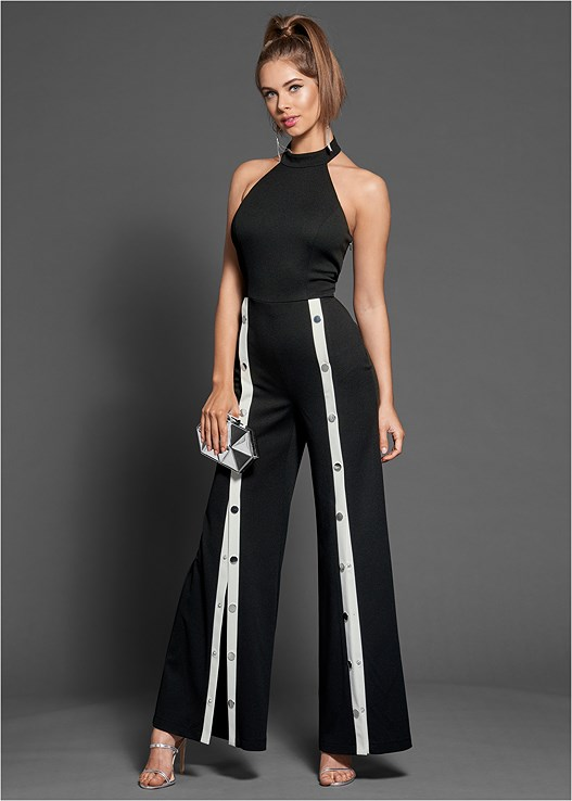 STRIPE FRONT SNAP JUMPSUIT,HIGH HEEL STRAPPY SANDALS
