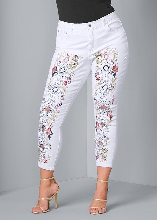 EMBELLISHED JEANS,HIGH HEEL STRAPPY SANDALS,HAMMERED METAL EARRINGS