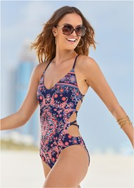 Cropped front view Lillian Monokini