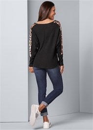 Back View Print Stripe Lounge Top