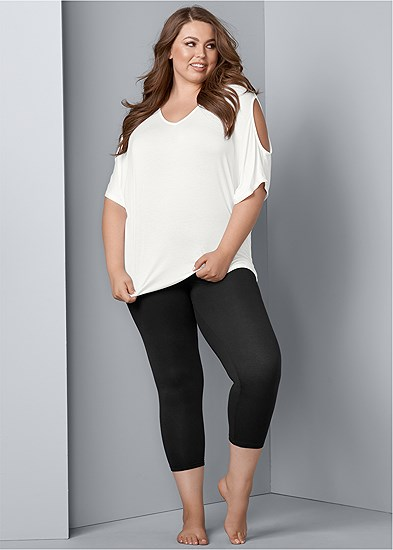 Plus Size Basic Capri Leggings