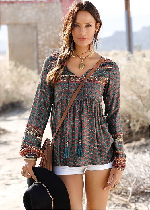 BOHO PRINTED TOP,CUT OFF JEAN SHORTS,NAKED T-SHIRT BRA,STUDDED FLIP FLOPS,DENIM SANDAL,BEAD DETAIL CROCHET BAG,CIRCLE RING DETAIL HANDBAG