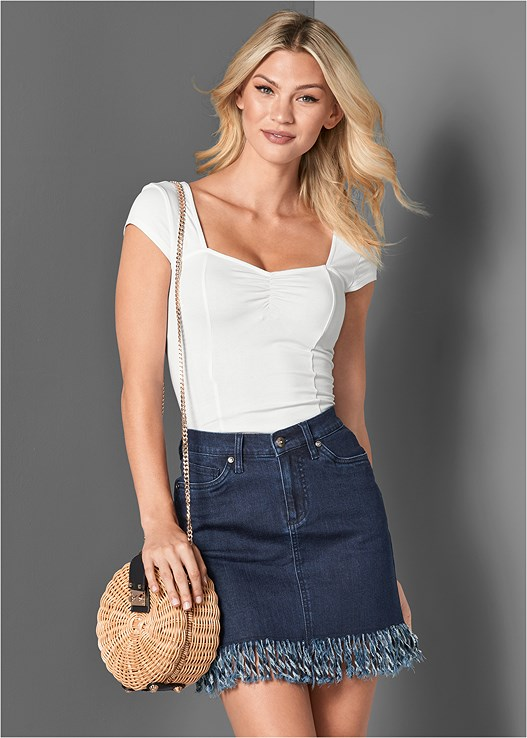 FRAYED HEM JEAN SKIRT,CAP SLEEVE BASIC TOP,STUDDED WEDGES