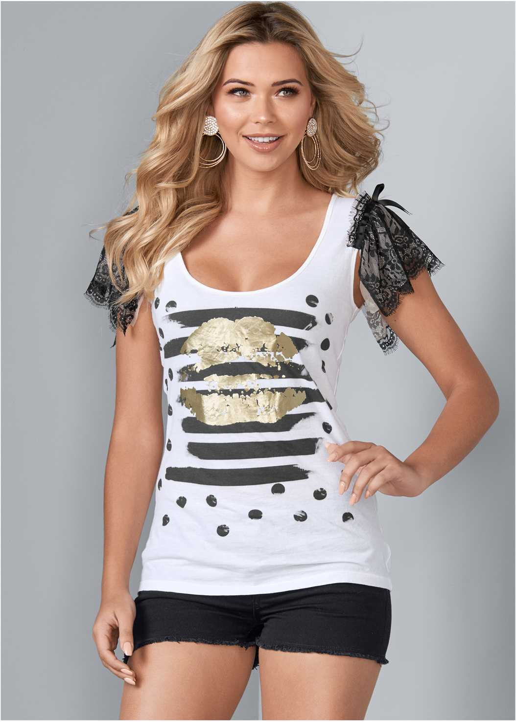 Lace Sleeve Graphic Top,Frayed Cut Off Jean Shorts