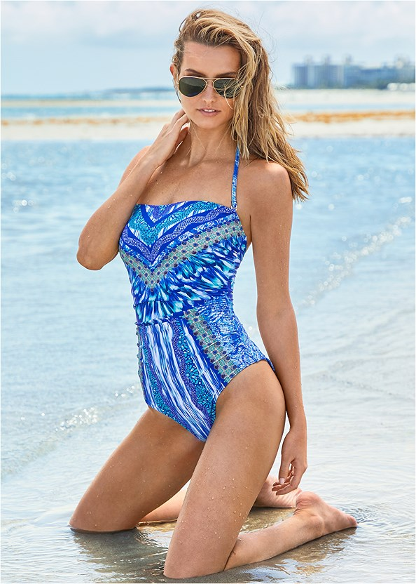 Bandeau One-Piece,Roman Cover-Up Beach Dress,Steve Madden Sunglasses