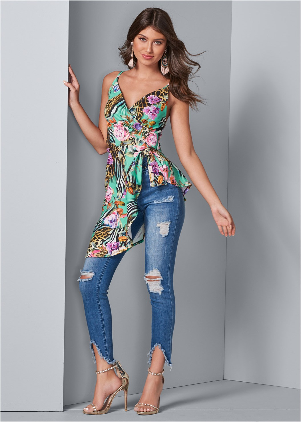 Asymmetrical Print Top,Triangle Hem Jeans,Mid Rise Color Skinny Jeans,Everyday You Strapless Bra,Embellished Heels