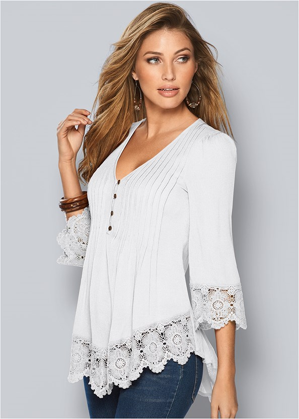 Lace Detail Button Up Top,Mid Rise Color Skinny Jeans,Kissable Convertible Bra