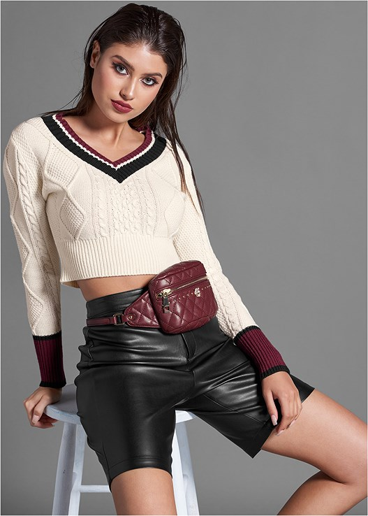 CABLE KNIT CROPPED SWEATER,FAUX LEATHER BIKE SHORT,QUILTED BELT BAG,BUCKLE DETAIL BOOTIES