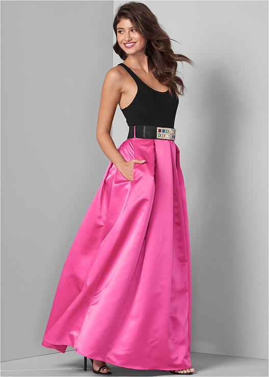 BELTED LONG DRESS,HIGH HEEL STRAPPY SANDALS
