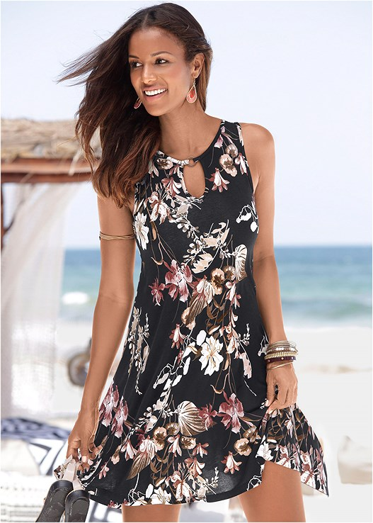 FLORAL PRINTED CASUAL DRESS,NAKED T-SHIRT BRA,FLOWER DETAIL HEELS,FRINGE CROSSBODY,ELASTIC BACK VISOR