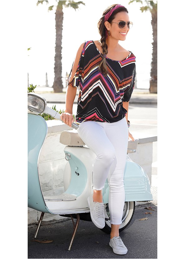 Cold Shoulder Chevron Top,Frayed Cut Off Jean Shorts,Denim Sandal