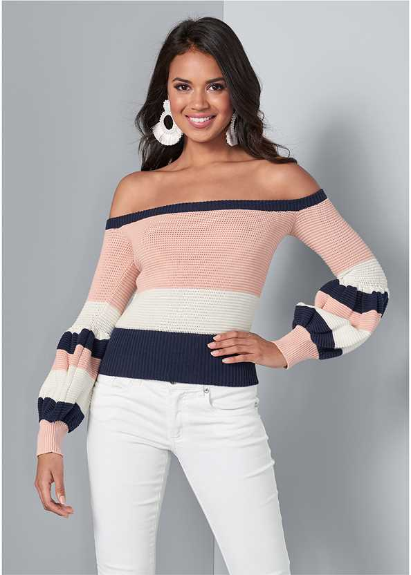 Off Shoulder Sweater,Mid Rise Color Skinny Jeans,Lucite Detail Heels,Ring Handle Circle Clutch,Beaded Tassel Earrings