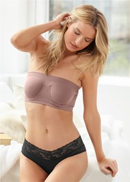 Cropped front view Seamless Underwire Bandeau