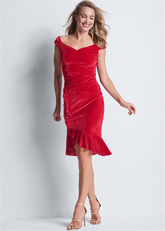 VELVET RUFFLE MIDI DRESS,EVERYDAY YOU STRAPLESS BRA,HIGH HEEL STRAPPY SANDALS