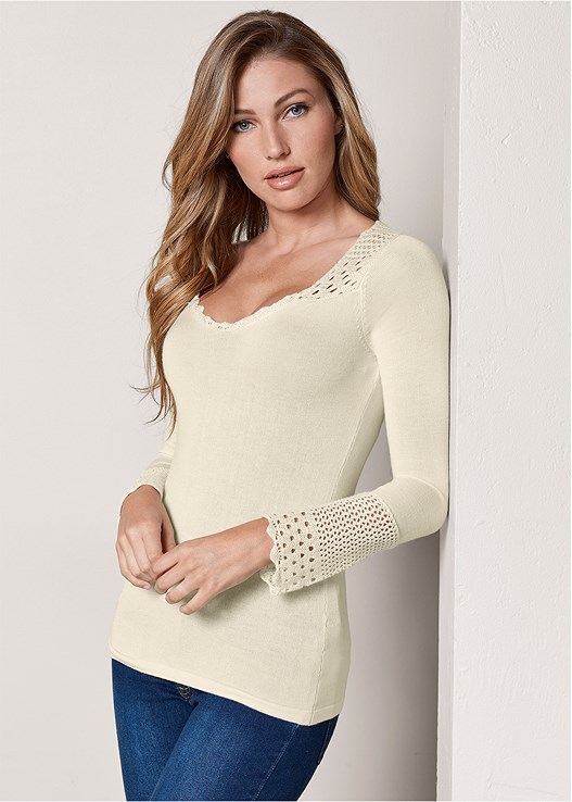 CROCHET DETAILED SWEATER,COLOR SKINNY JEANS,KNOTTED SLOUCHY BOOTS