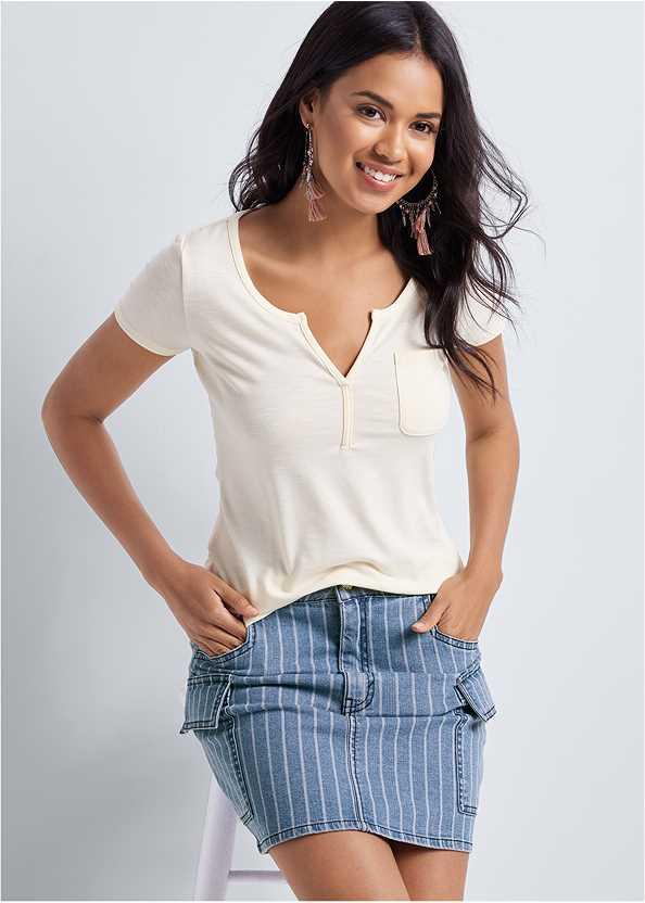 Striped Mini Denim Skirt,Casual Pocket Tee,Animal Print Thong,Tassel Detail Hoop Earrings