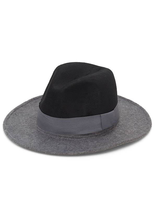 Color Block Hat,Cold Shoulder Turtleneck,Ripped Skinny Jeans